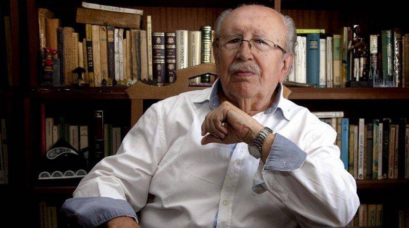 rafael guillén, poeta granadino ganador del lorca granada. foto: pepe torres